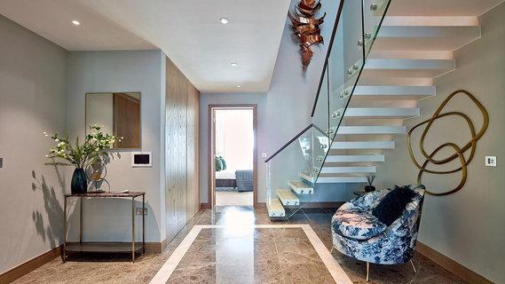 每日豪宅 | 明亮时尚的伦敦切尔西复式顶层公寓