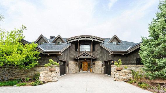 每日豪宅   拥抱自然的犹他州河畔度假庄园