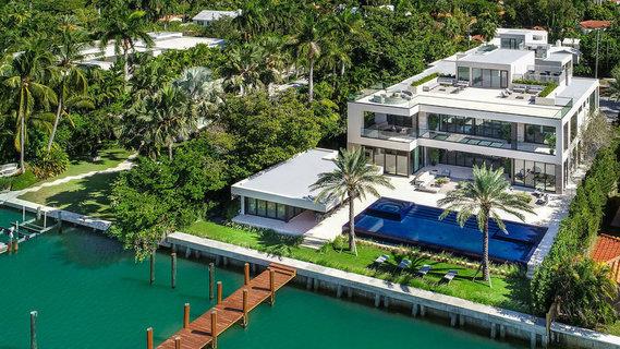 每日豪宅 |  玻璃墙环绕的迈阿密海滩超现代大宅