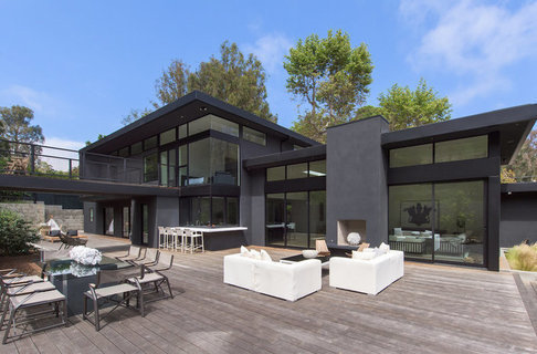 Music Producer Lists Los Angeles Home for $9.9 Million