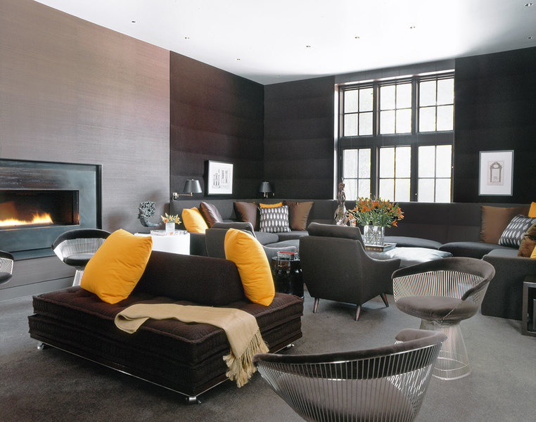 A modern, minimalist vibe gives this room, designed by Vincente Wolf of Vicente Wolf Associates, New
