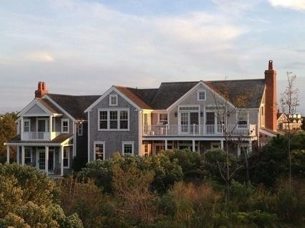 每日豪宅 | 碧草连天的楠塔基特岛木瓦海景别墅