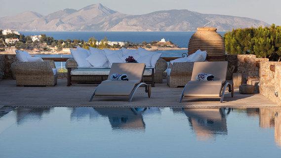 每日豪宅 | 坐拥无限美景的希腊海滨八卧别墅