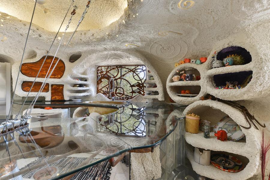 La casa de los Picapiedra tiene aspecto de galería de arte.