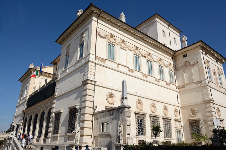 The Borghese Gallery displays works by Gian Lorenzo Bernini, Agnolo Bronzino, Antonio Canova, Caravag