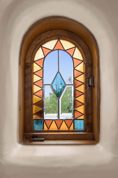 Stained glass window by Bill Tull